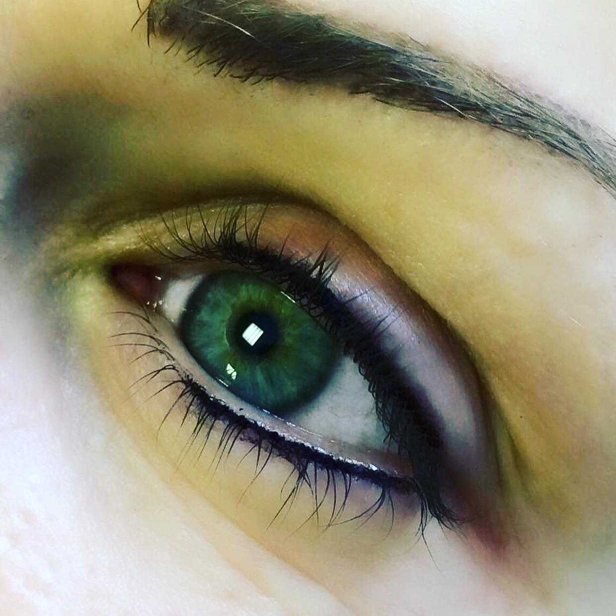 Smokey and smudgy eyeliner